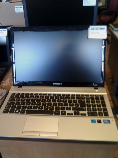 Samsung NP300E Refurbished