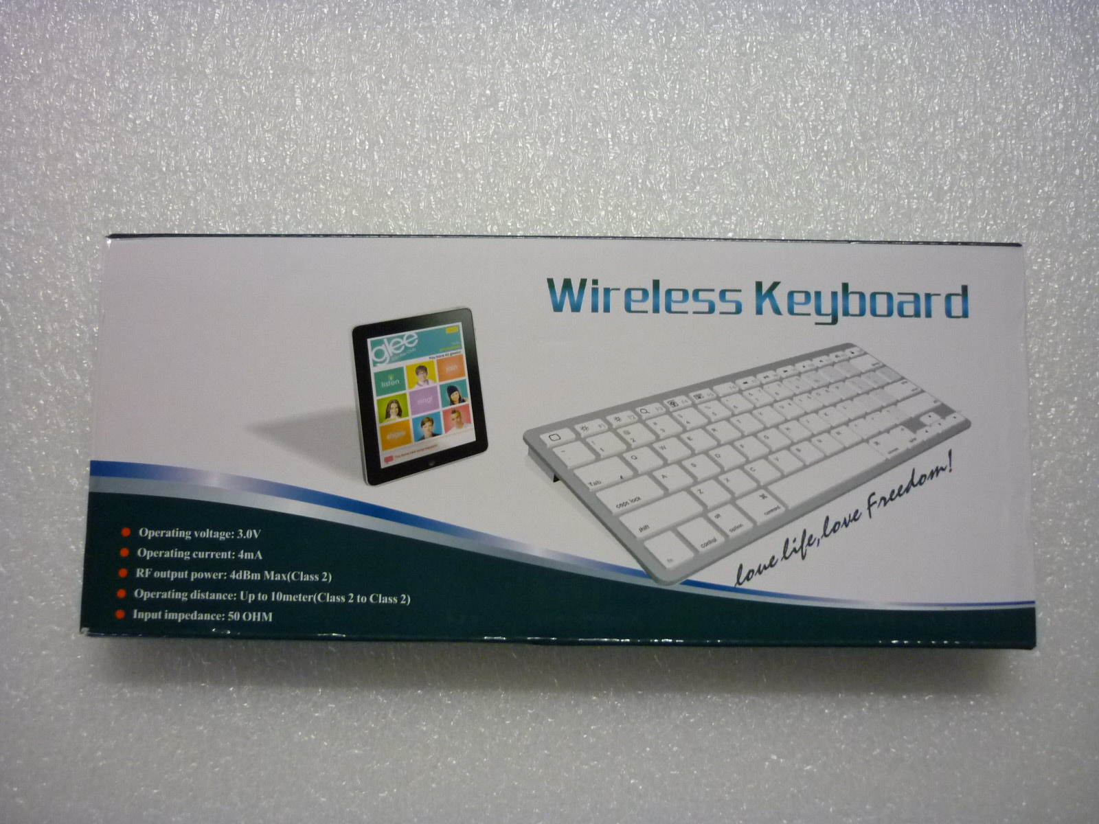Apple wireless keyboard - Operating distance: Up to 10meters