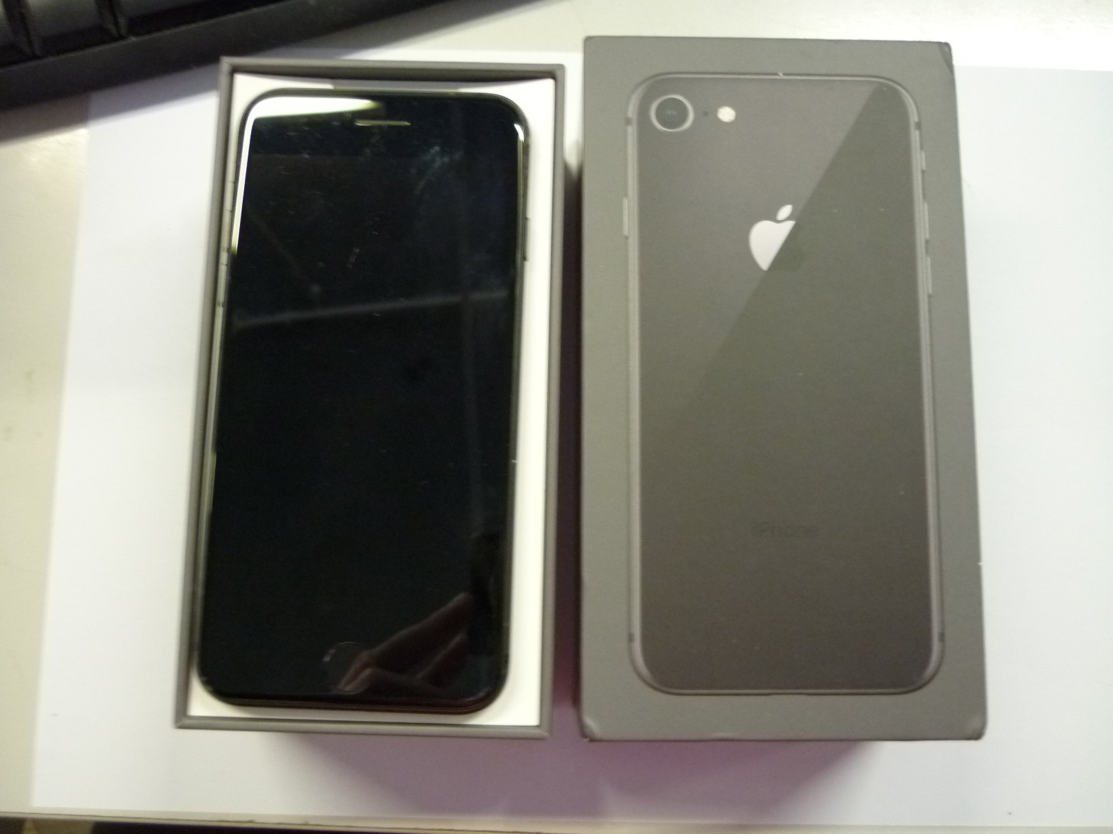 iPhone 8 64GB Unlocked with box