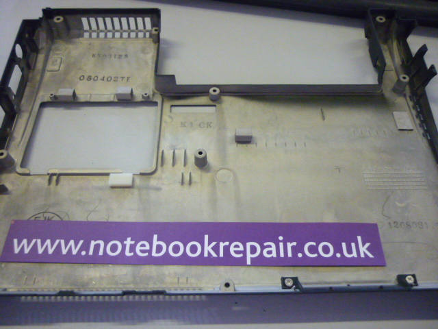 LIFEBOOK P8010 BOTTOM COVER KY03128