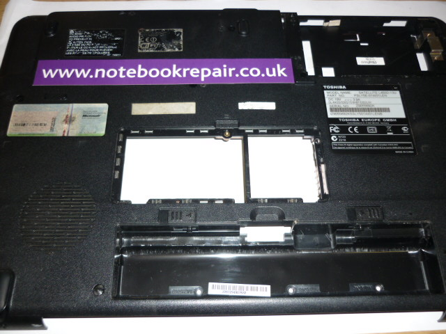 Toshiba Satellite L450D Base Plastic Bottom