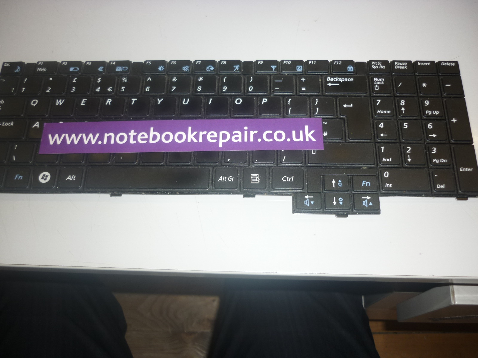 BA59-02833A E352 452 P530 P580 etc UK Keyboard
