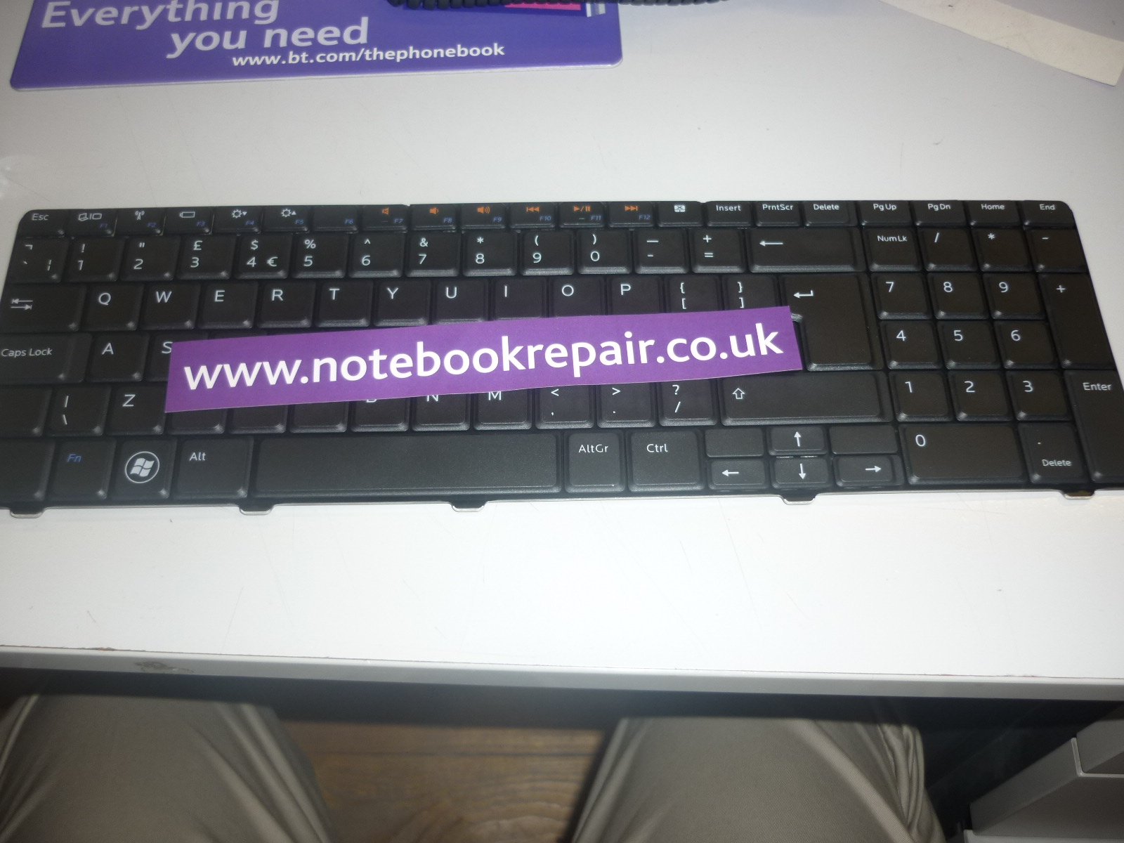 Dell Inspiron 17R N7010 NSK-DPB0U Model UM9 UK Keyboard Black