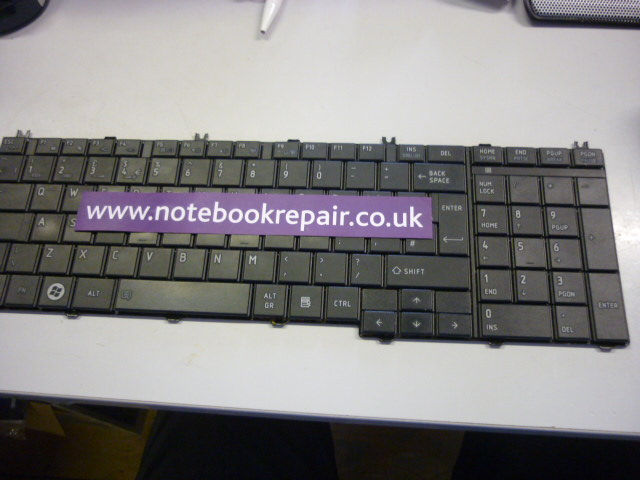 SATELLITE L750 KEYBOARD AEBL6E00120-EN MP-09N16GB-920 A000076190