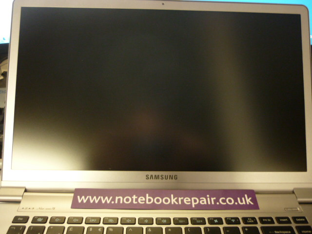 SAMSUNG NP900X4D - SCREEN