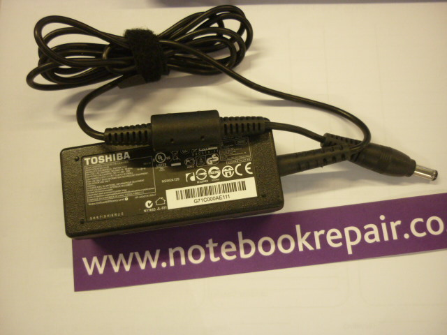 Toshiba 19v 2.37A AC Adpater