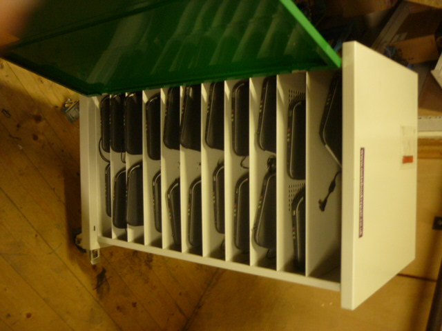 Chargemate Charging trolley with 22 Fizzbook spin laptops