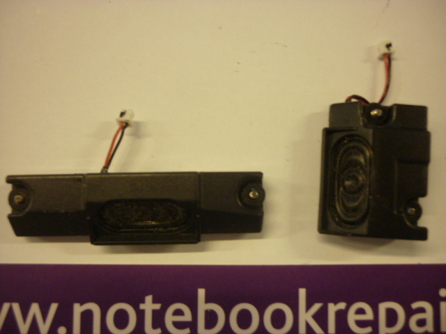 RM Notebook 320 left and right speakers