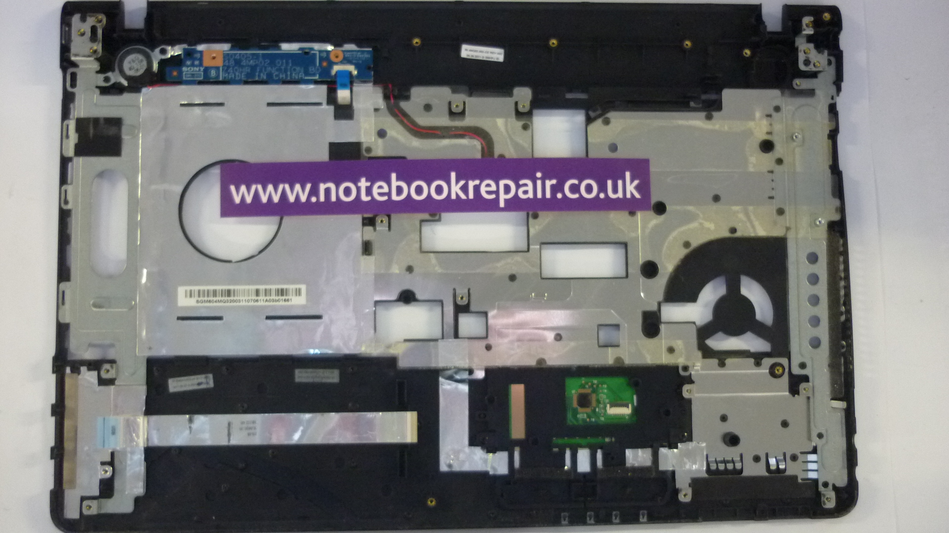 Sony Vaio 39.4MQ02.002 Palmrest and Touchpad Assembly